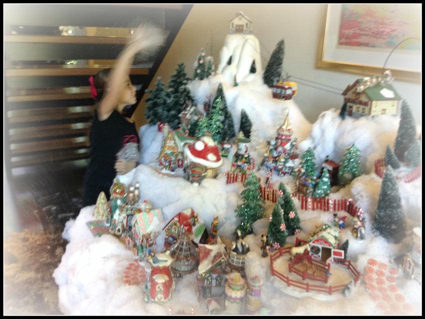 Navidad-Christmas-Decoracion-Navideña-Juliana-nevando-el-pueblito-coca-cola