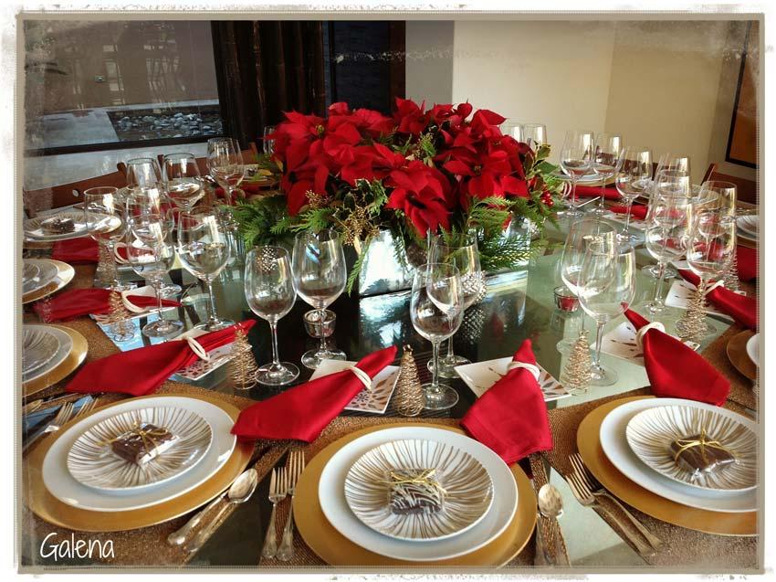 Centro de mesa con nochebuenas ana galena for Centros navidad para mesa