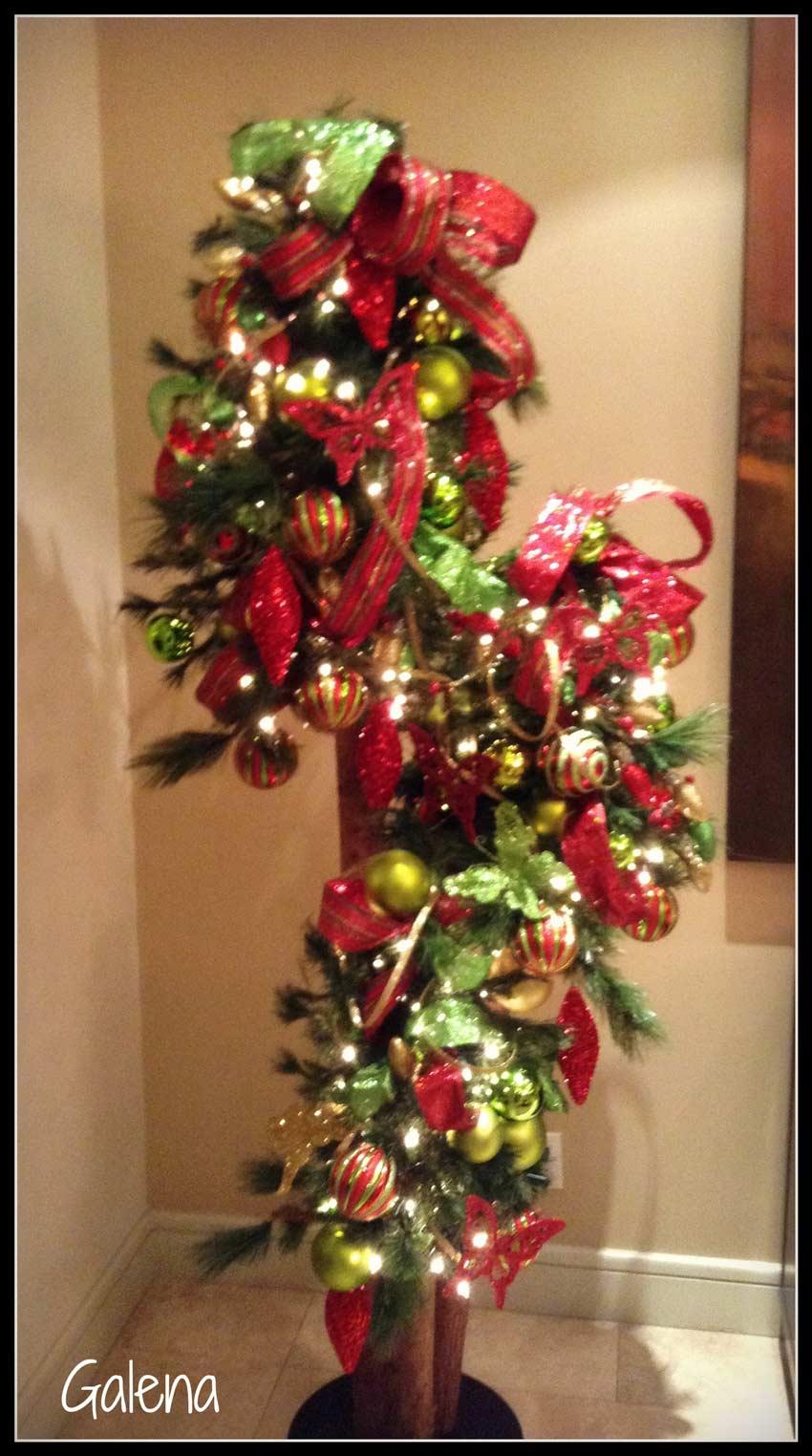 Decoraci n de navidad rojo con verde ana galena - Decoracion de arboles navidenos ...