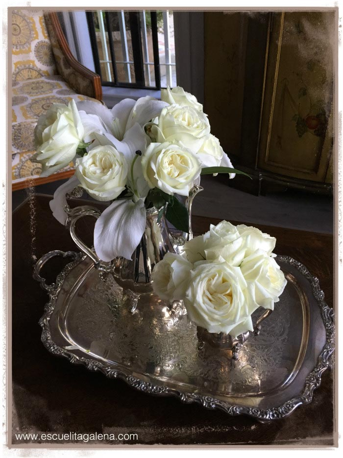 white-roses-on-silver