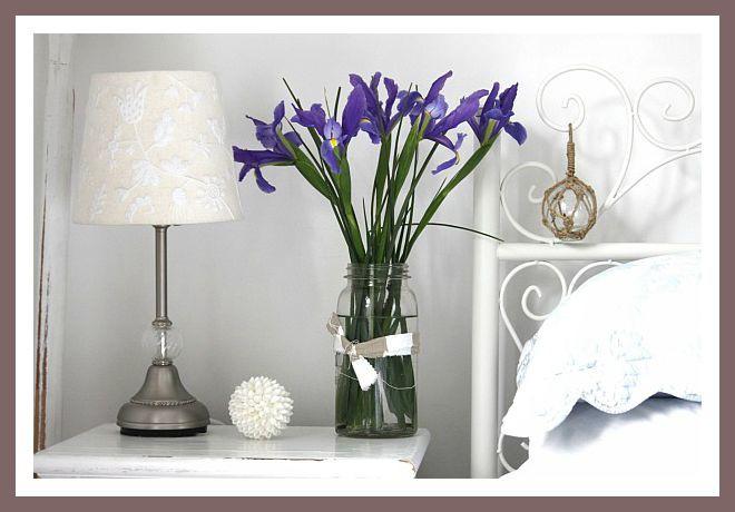 aa-flor-azul-en-el-dormitorio