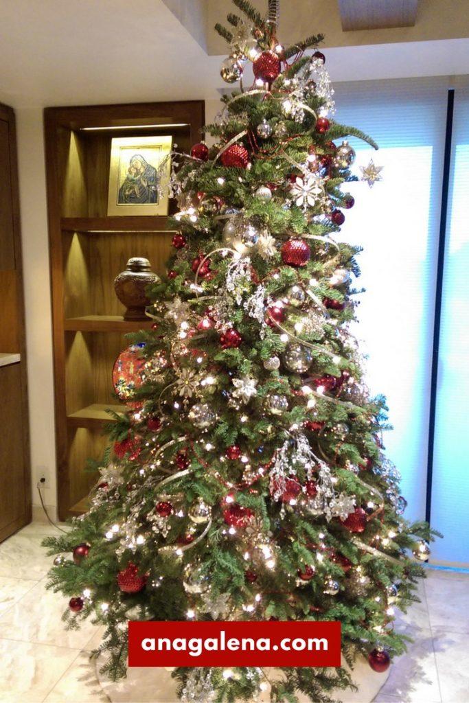 arbol-de-navidad-plateado-con-cristal-y-vino