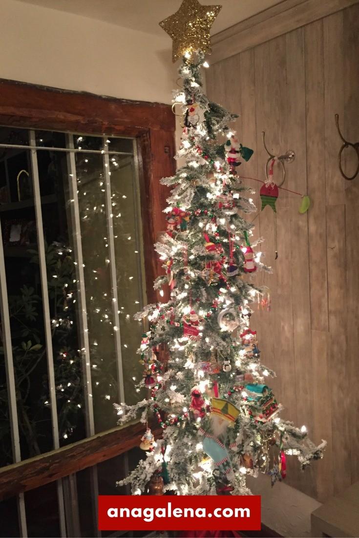 40 ideas para decorar tu rbol de navidad ana galena for Adornos navidad en casa