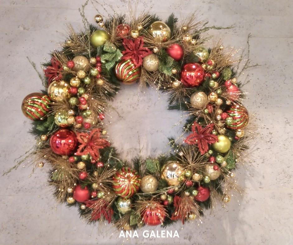 corona-de-navidad-dorado-con-rojo-y-verde