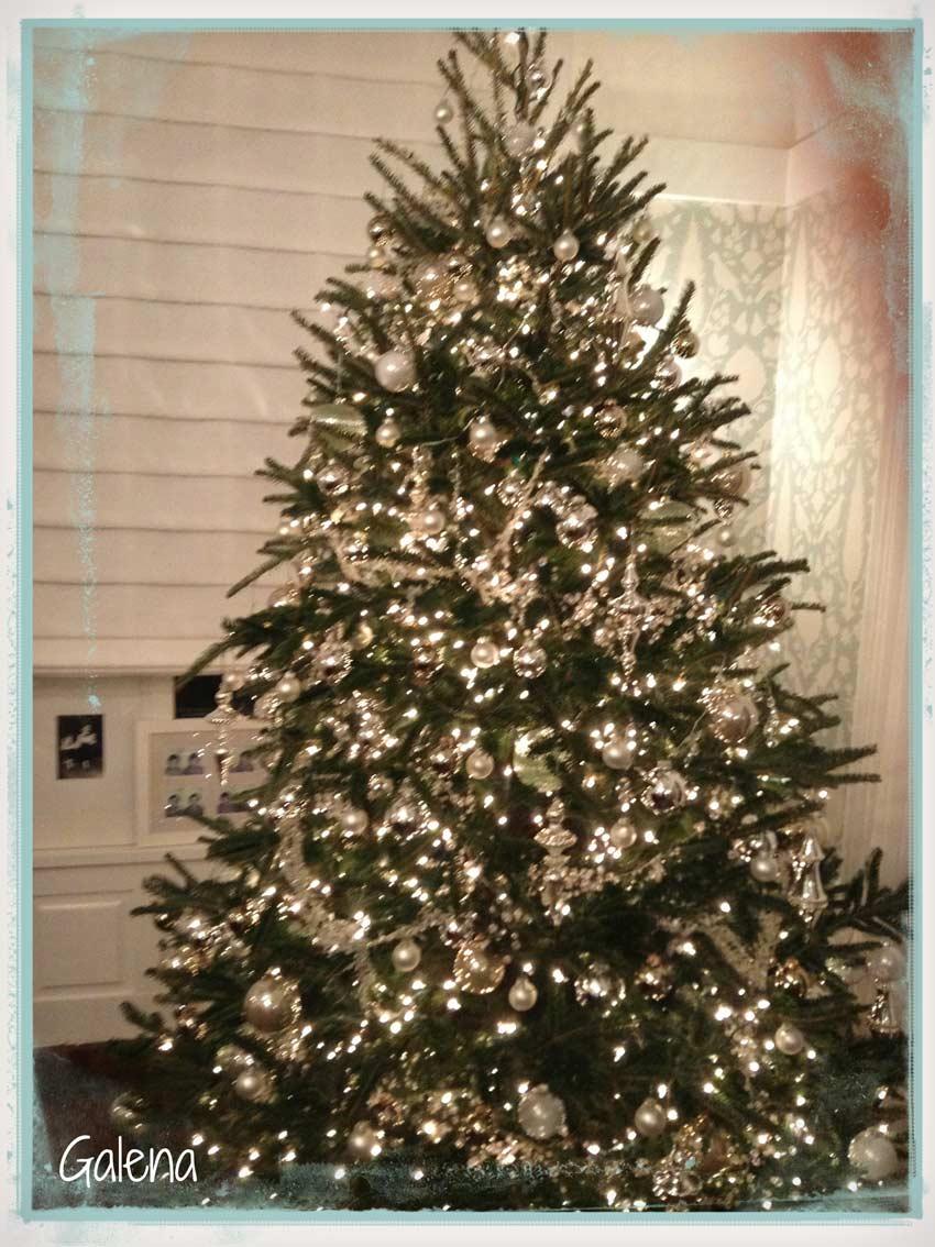 Navidad-Christmas-Decoracion-Arbol-Navideño-plateado-con-cristal