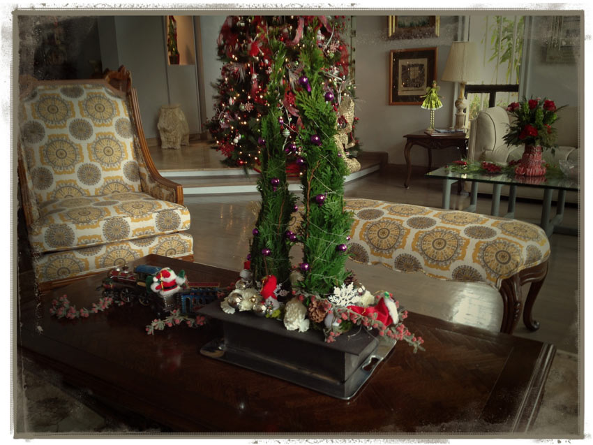 Navidad-Christmas-decoracion-navideña-arreglo-natural-arbolitos-sala