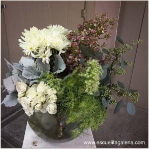 flores-a-utilizar-arreglo-vintage-en-caja-de-sombrero