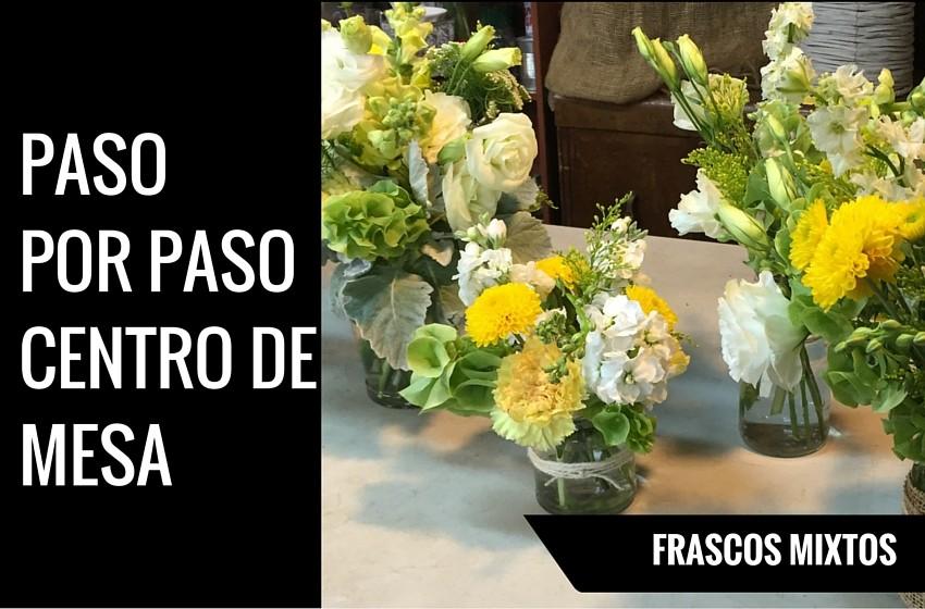 Centro de mesa vintage con frascos y flores como - Hacer un centro de mesa ...