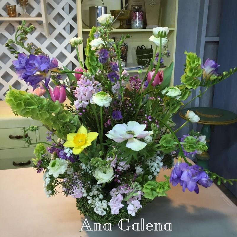 canasta-primaverla-con-flores-naturales