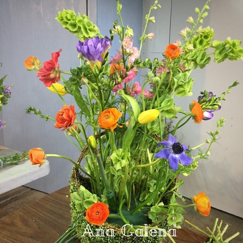 como-hacer-una-canasta-con-flores-primaverales
